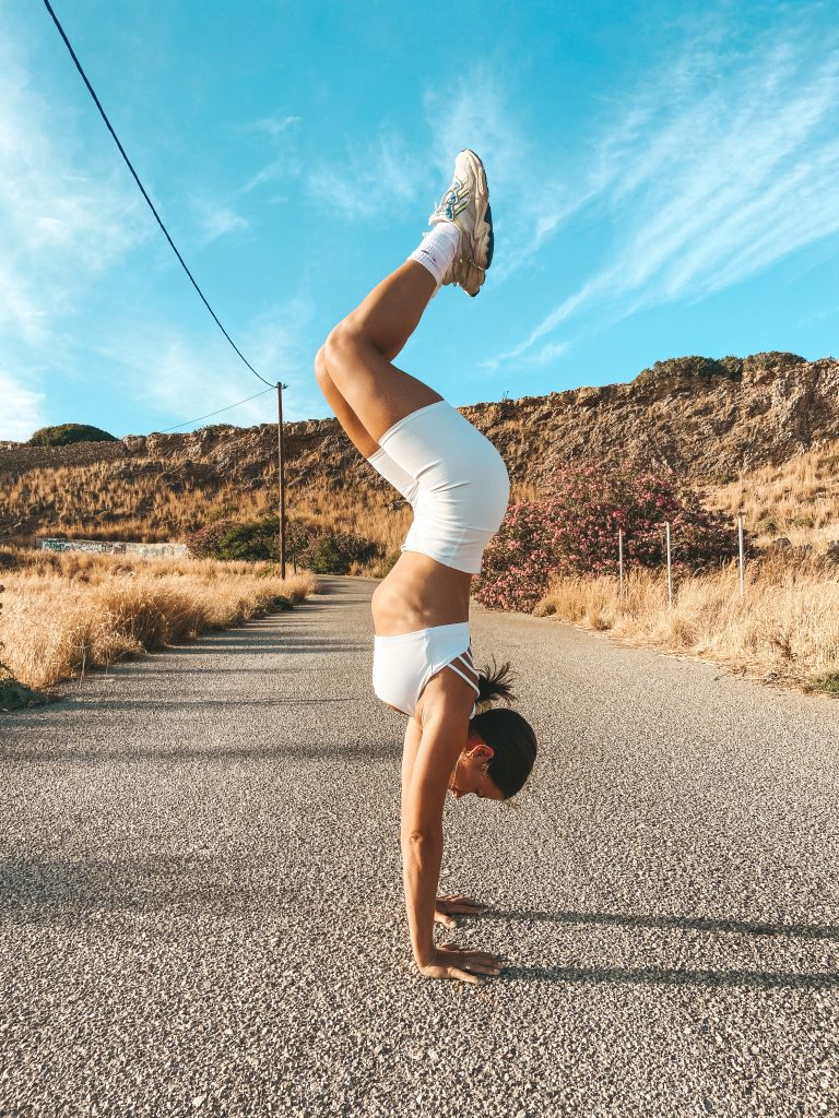 LIVE HANDSTAND COURSE